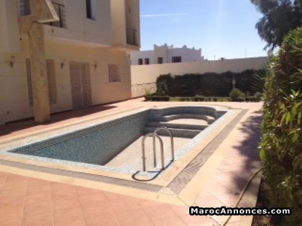 Villa Avec Piscine A Louer Vide A Agadir  Villas  Maisons  Riads
