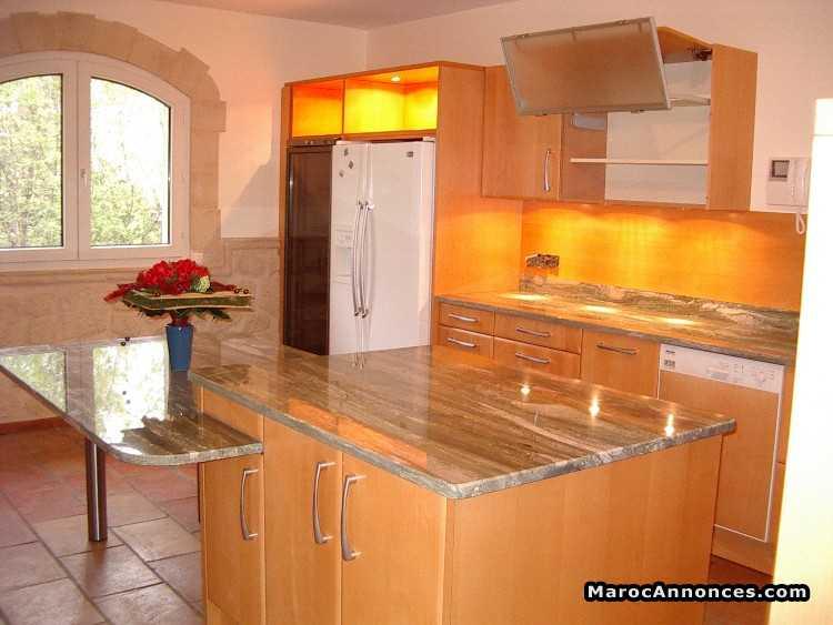 cuisine moderne marbre et alumimium - Cuisine Moderne Orange Avec Marbre Galaxie Noir